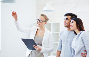 Do you need to be a licensed Realtor before obtaining a LLC business license?